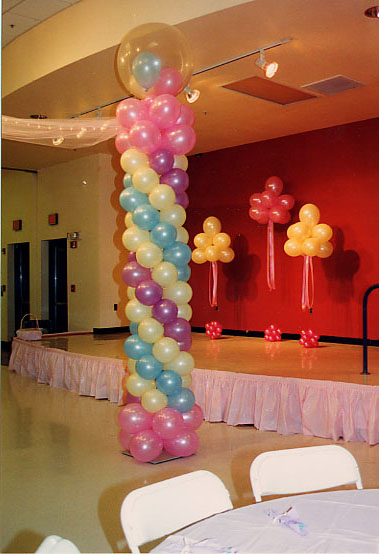 Playful columns for a reception